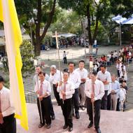 Đoàn rước tiến vào thánh đường